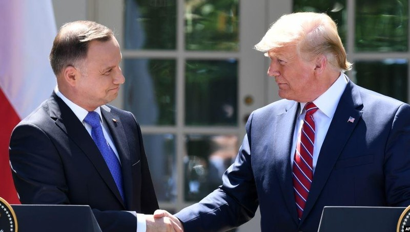 Tổng thống Ba Lan và Tổng thống Mỹ.