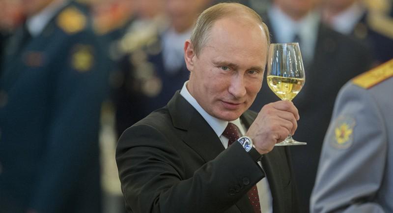 Bất ngờ món quà mừng sinh nhật Tổng thống Nga Putin