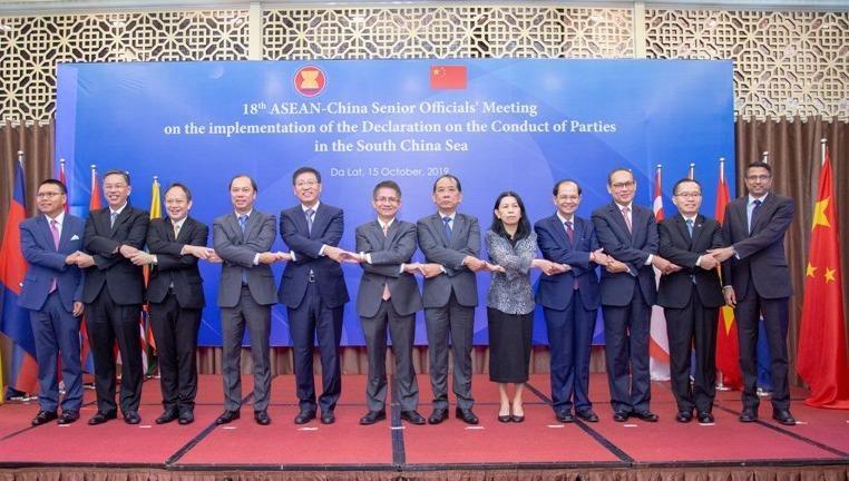Các đại biểu tại hội nghị.