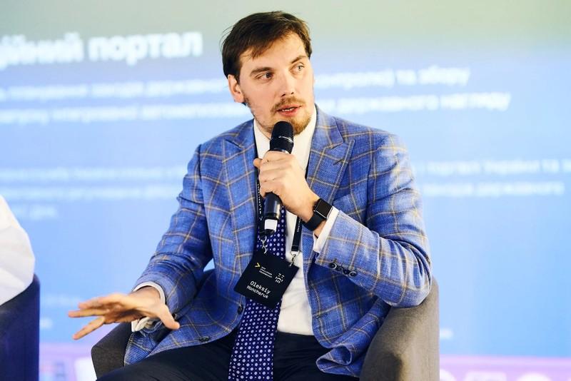 Thủ tướng Ukraine thuê cựu quan chức Nga làm cố vấn?