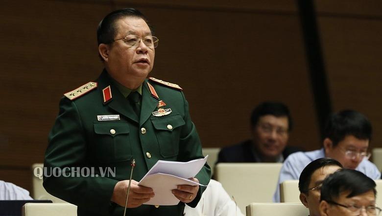 Thượng tướng Nguyễn Trọng Nghĩa phát biểu tại phiên họp.
