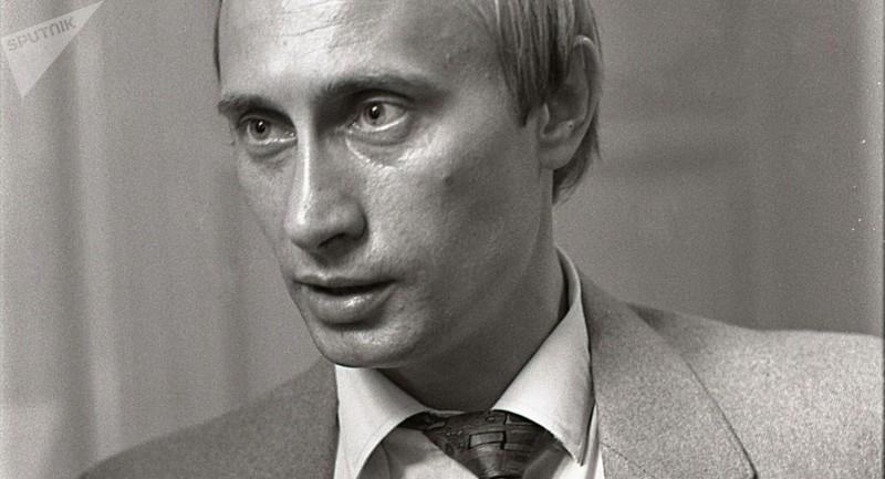 Tổng thống Nga Vladimir Putin thời trẻ.