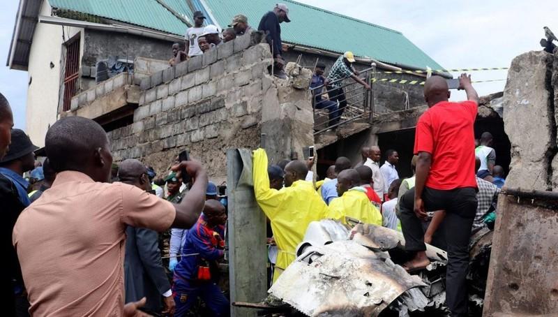 Rơi máy bay, ít nhất 27 người cả 'trên trời dưới đất' thiệt mạng tại Congo
