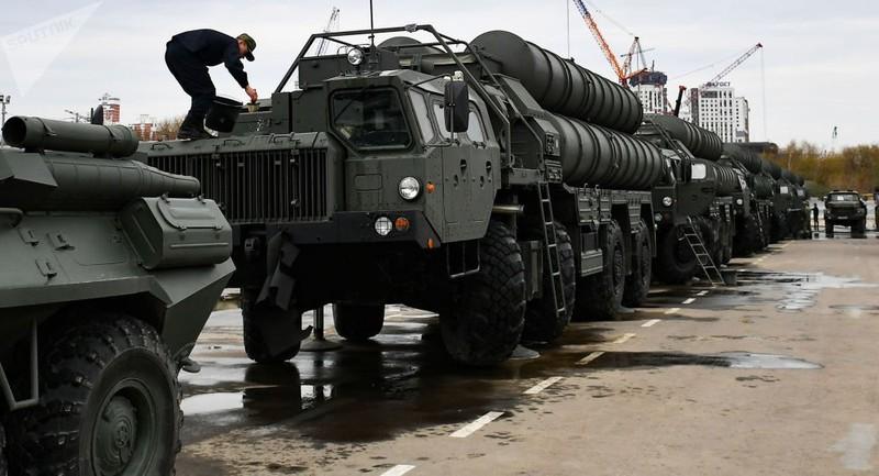 """Thổ Nhĩ Kỳ lại vượt """"lằn ranh đỏ"""" vì thương vụ """"rồng lửa"""" S-400 của Nga?"""