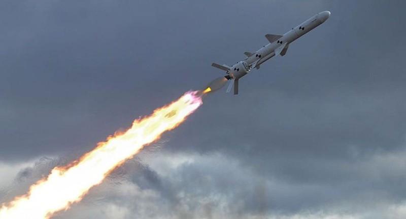 """Ukraine thử thành công tên lửa """"sát thủ cầu Crimea"""""""