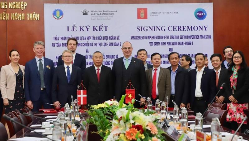Hình ảnh tại lễ ký kết. Ảnh: Đại sứ quán Đan Mạch tại Việt Nam.
