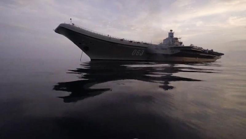Hỏa hoạn trên tàu chiến của Nga