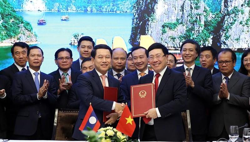 Đưa quan hệ Việt-Lào đi vào chiều sâu thực chất