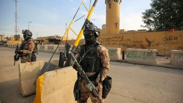 Vùng Xanh tại Iraq bị 2 tên lửa bắn trúng