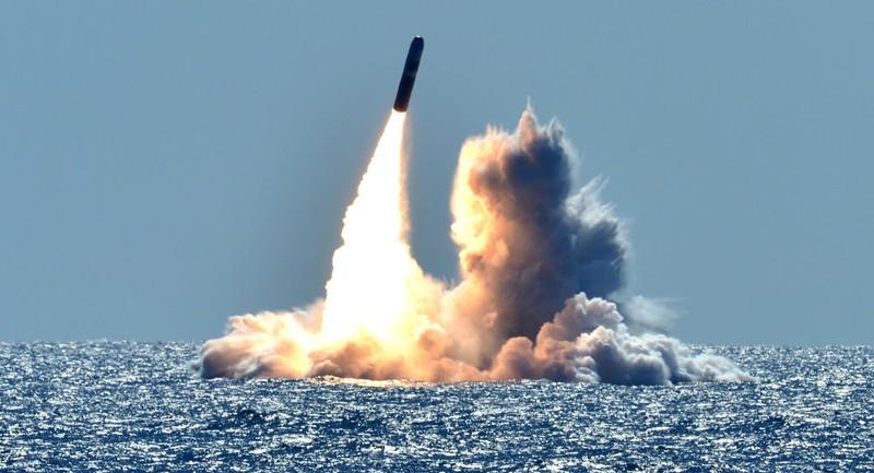 Mỹ triển khai đầu đạn hạt nhân mới trên tàu ngầm?