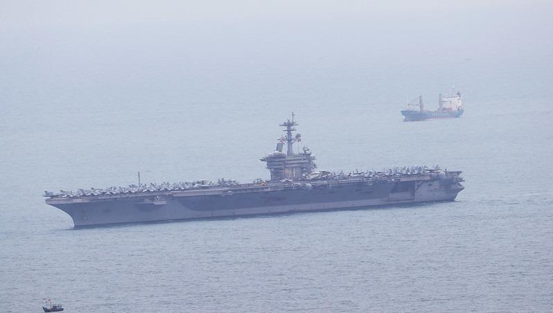 Tàu sân bay USS Theodore Roosevelt (CVN 71) của Mỹ. Ảnh: Lãnh sự quán Mỹ tại TP Hồ Chí Minh.