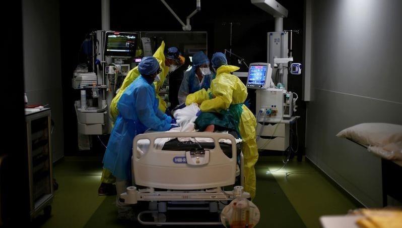 """Số ca tử vong do dịch bệnh Covid-19 tại Pháp """"đuổi sát"""" Tây Ban Nha"""