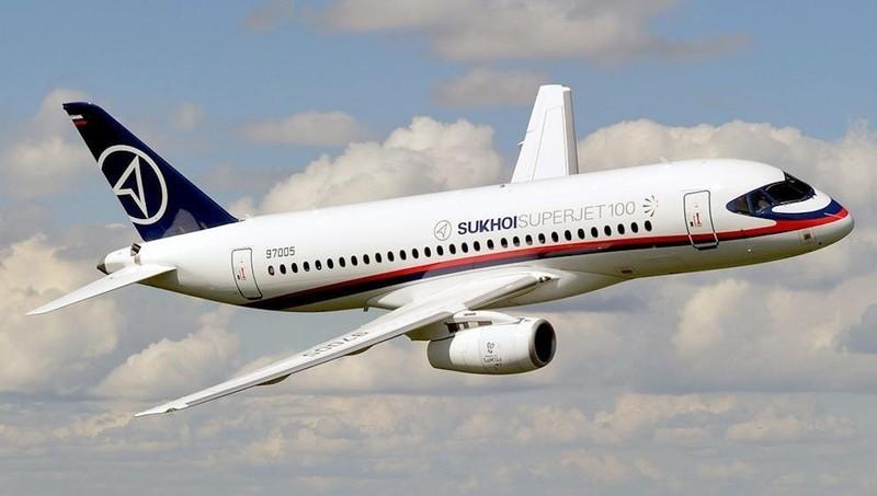Máy bay chở khách Nga phải hạ cánh khẩn vì sự cố động cơ