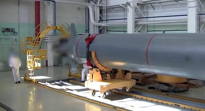 """Nga sắp hạ thủy tàu ngầm mang siêu ngư lôi """"diệt cả nhóm tàu sân bay"""""""