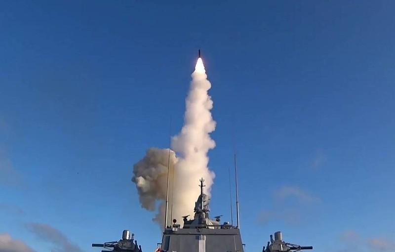"""Tiết lộ tàu mang tên lửa """"không thể ngăn chặn"""" từng được Tổng thống Nga Putin công bố"""