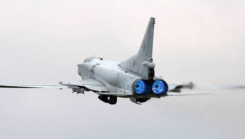 """Nga thử vũ khí mới cho máy bay ném bom mang tên lửa """"đe dọa cả đội tàu sân bay"""""""