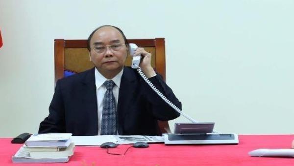 Thủ tướng Nguyễn Xuân Phúc điện đàm với Thủ tướng PhápEdouard Philippe.