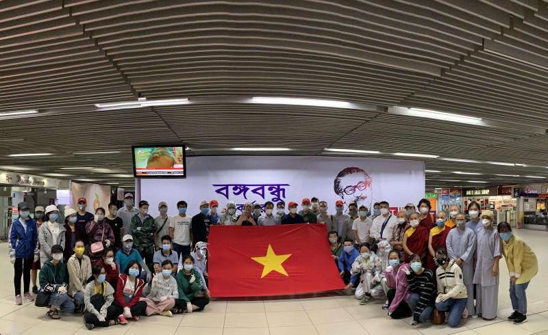 Các công dân tại Bangladesh được đưa về nước.