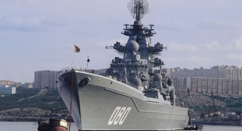 """Hé lộ sức mạnh """"một mình chặn cả hạm đội NATO"""" của tàu chiến Nga"""