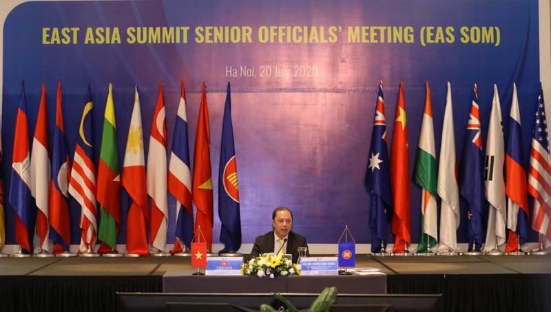 Thứ trưởng Bộ Ngoại giao Nguyễn Quốc Dũng dự Hội nghị.