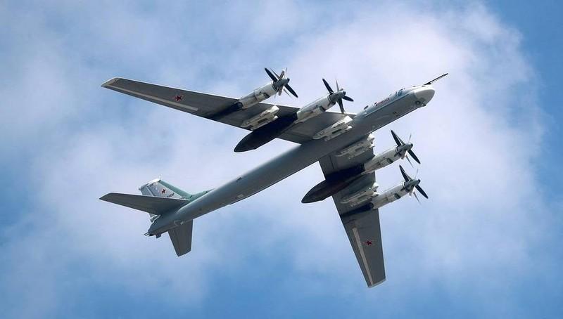 """Bản cải tiến """"máy bay ném bom nguy hiểm nhất"""" của Nga sắp lần đầu sải cánh"""