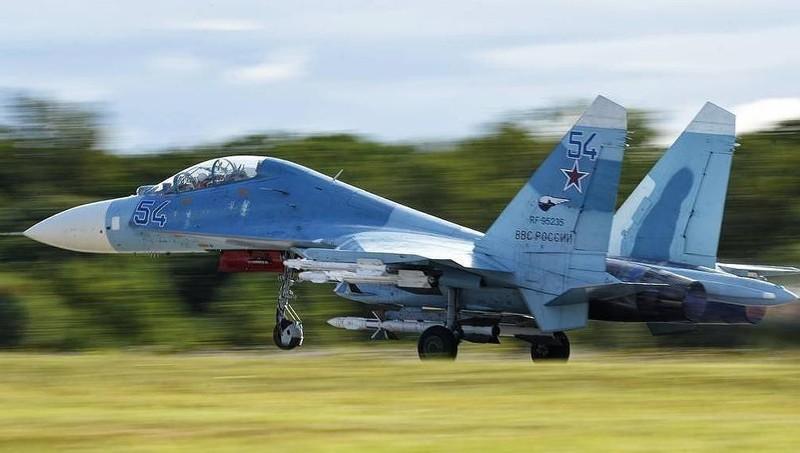 Nga điều máy bay chiến đấu đánh chặn máy bay trinh sát Mỹ ở Biển Đen