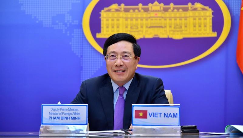 Phó Thủ tướng, Bộ trưởng Ngoại giao Phạm Bình Minh dự hội nghị.