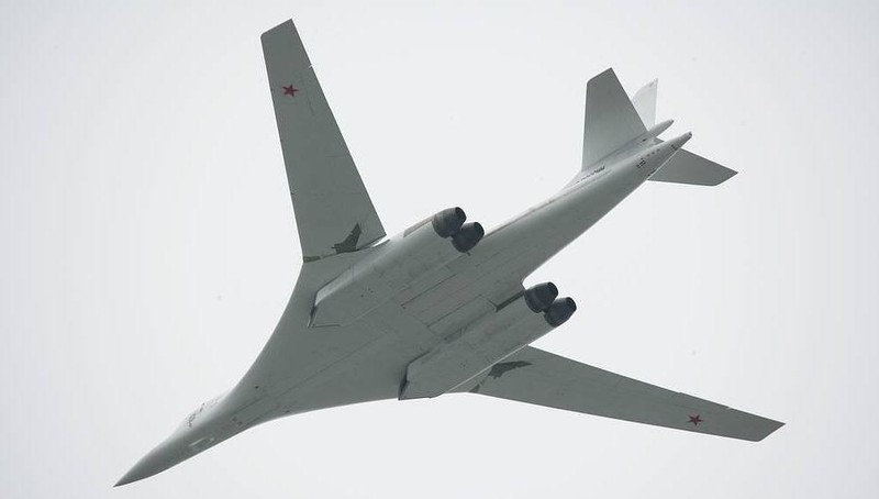 Máy bay ném bom siêu thanh Tu-160 của Nga.