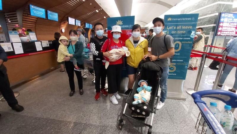 Thực hiện 2 chuyến bay chở gần 360 công dân Việt Nam từ Đài Loan (Trung Quốc) về nước
