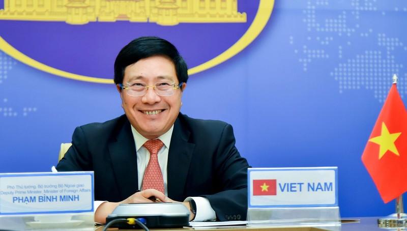 Phó Thủ tướng, Bộ trưởng Ngoại giao Phạm Bình Minh tại cuộc điện đàm.
