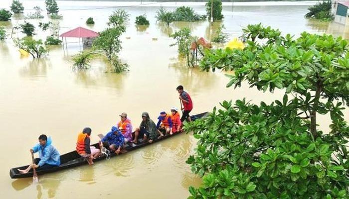 Các tỉnh miền Trung Việt Nam chịu thiệt hại nặng nề vì mưa lũ.