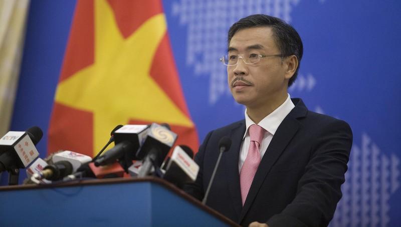 Phó Phát ngôn Bộ Ngoại giao Dương Hoài Nam tại họp báo.