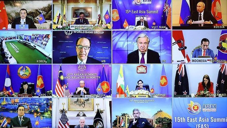 Các lãnh đạo dự Hội nghị cấp cao Đông Á lần thứ 15.