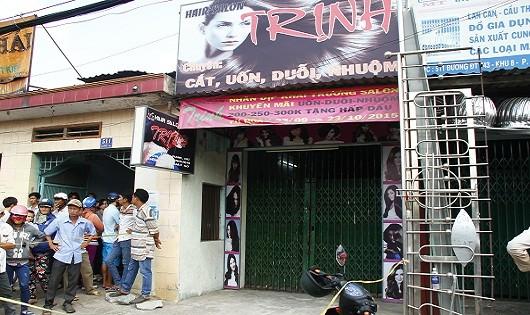 Bình Dương: Chủ tiệm hớt tóc chết trong tư thế treo cổ