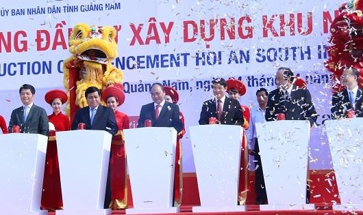 Thủ tướng Nguyễn Xuân Phúc bấm nút khởi công xây dựng Khu nghỉ dưỡng Nam Hội An.