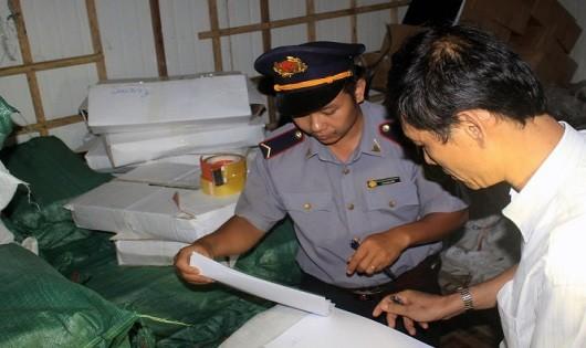 Cơ quan chức năng Quảng Trị đã niêm phong lô cá nục đông lạnh bị nhiễm phenol