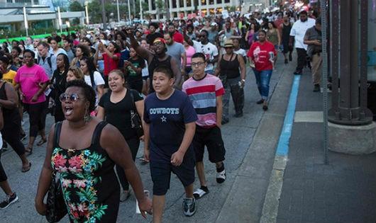 Xả súng kinh hoàng: Thảm kịch bắt nguồn từ quyền sử dụng vũ lực của cảnh sát