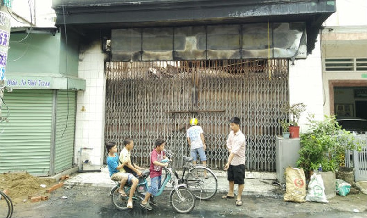"""Hỏa hoạn thương tâm tại Đồng Nai: 4 người chết ngạt trong căn nhà """"lô cốt"""""""