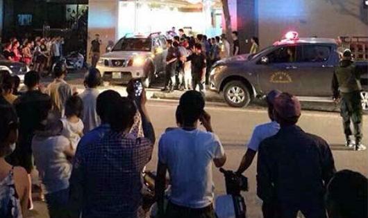 """Hàng trăm cảnh sát vây bắt """"bà trùm"""" ma túy xuyên quốc gia"""