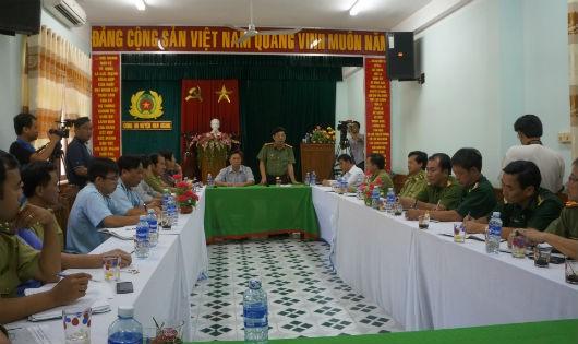 Điều tra vụ phá rừng pơ-mu ở Quảng Nam: Trạm biên phòng 'gây khó dễ'?