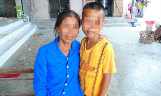 Hai trẻ mồ côi ám ảnh cái chết của mẹ đúng ngày Mùng 1 Tết