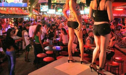 Công nghiệp tình dục ở Thái Lan đang đối mặt sức ép ngày càng lớn.