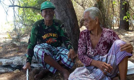 Chuyện lạ về một 'cặp đôi Robinson' ở Indonesia