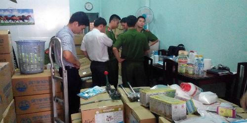 Đột kích cơ sở sản xuất thuốc thú y chứa chất cấm