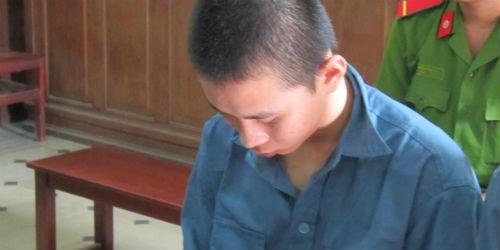 """""""Yêu"""" học sinh lớp 7, Kông lĩnh 7 năm tù"""