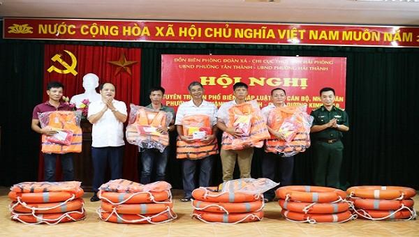 Hoạt động PBGDPL cho ngư dân tại Hải Phòng