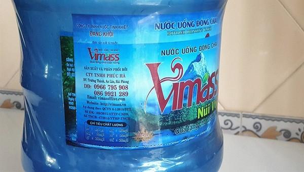 Hải Phòng thu hồi sản phẩm nước uống 'tinh khiết' đóng chai từ… nước mương