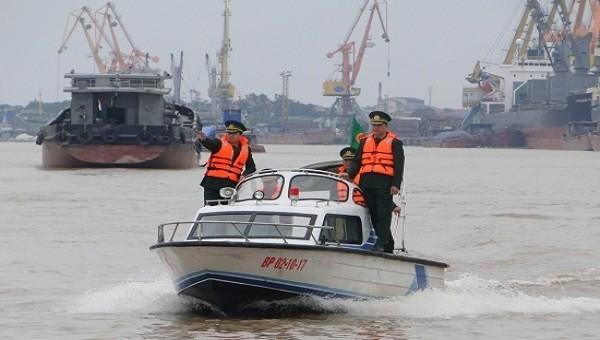 BĐBP TP Hải Phòng 'đỡ đầu' gần 100 học sinh khó khăn khu vực biên giới biển