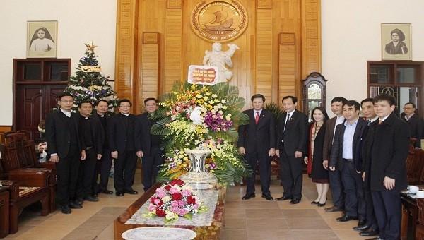 Lãnh đạo thành phố Hải Phòng chúc mừng Tòa Giám mục nhân dịp lễ Giáng sinh