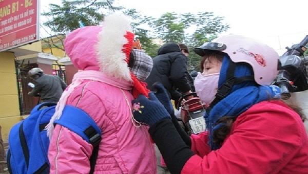 Nhiệt độ xuống 9,8 độ C, nhiều trường tại Hải Phòng cho học sinh nghỉ học